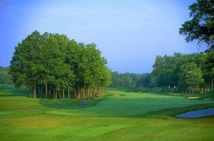 Avalon Lakes Golf Hole 1