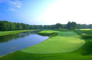 Avalon Lakes Golf Hole 17