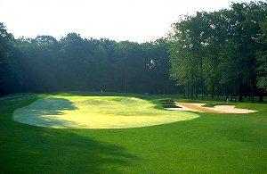 Avalon Lakes Golf Hole 4
